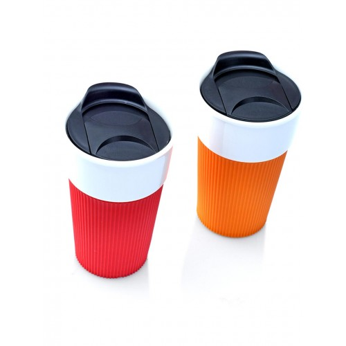 Ceramic mug with silicone grip and plastic lid